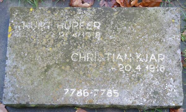 Christian Kjærs gravsten i Hooglede